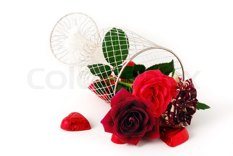 valentine day bouquet - three different red tint roses in mesh, Ideas