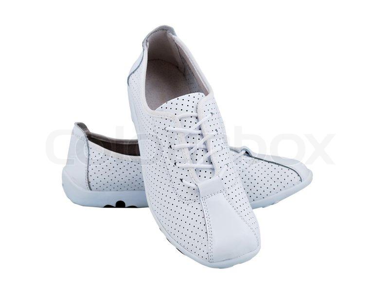 купить белые женские кроссовки
