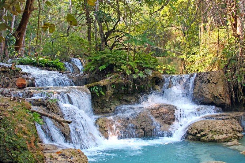 Wasserfall Kuang Si im Dschungel nahe Luang Prabang , Laos | Stock-Foto | Colourbox