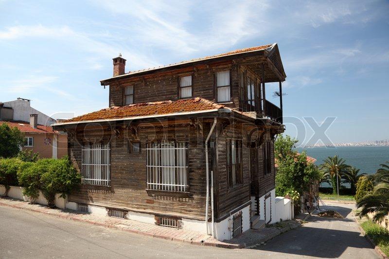 Stock Bild Von U0027Alte Hölzerne Haus Auf Princes U0027Island Nahe Istanbul,  Türkeiu0027