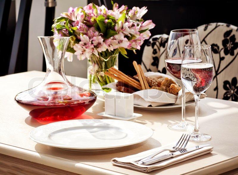 Dining Place Settings ~ Fine restaurant tisch gedeck serviette weinglas