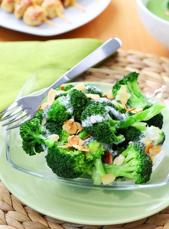 ... of 'Delicious broccoli salad with yogurt dressing and roasted almond