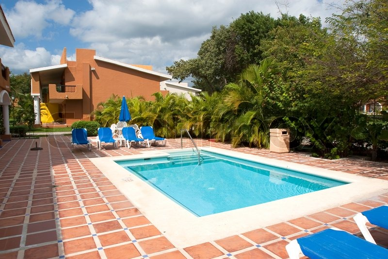 Keep Your Pool Clean And Shiny And Avoid Any Trouble | Leaf