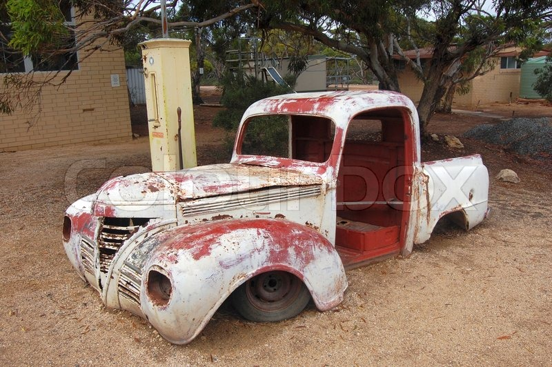 Stock image of 'Abandoned car'