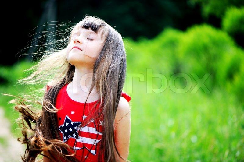brunette pige udtryk
