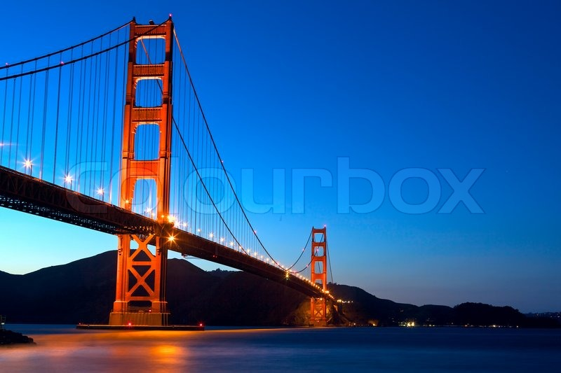 golden gate bridge bei sonnenuntergang san francisco kalifornien stockfoto colourbox. Black Bedroom Furniture Sets. Home Design Ideas