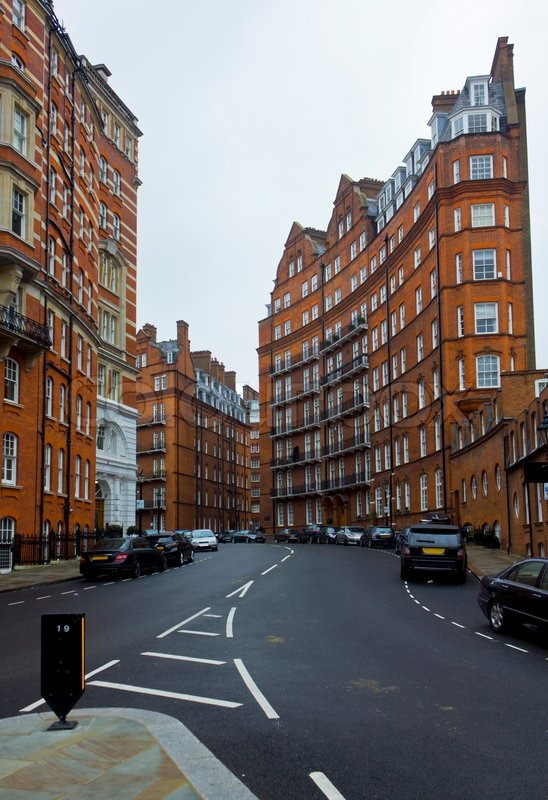 English Apartment Buildings In London Stock Photo