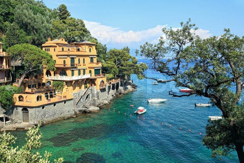 View on small bay and beautiful house in Portofino, Italy ...