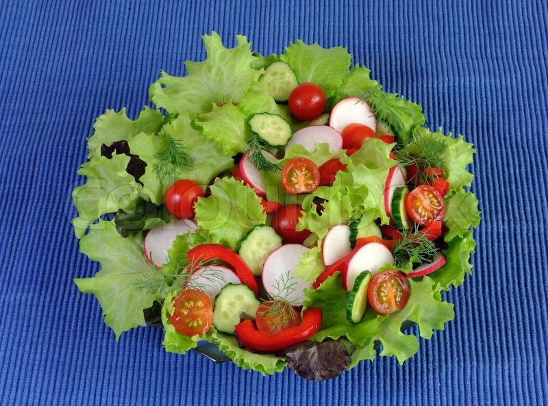украшение салатов из овощей с фотографи