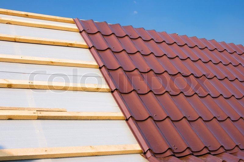 Как накрыть крышу металлочерепицей с нуля
