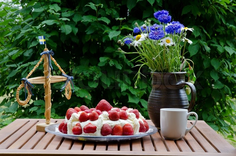 Made Swedish Midsummer Table With Strawberry Cake
