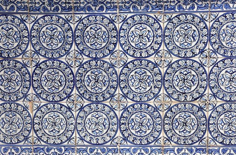 Traditionelle dekoration auf einer hauswand in spanien for Dekoration spanien