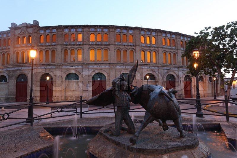 Statue of a torero in front of the bullring in el puerto - Taxi puerto de santa maria ...