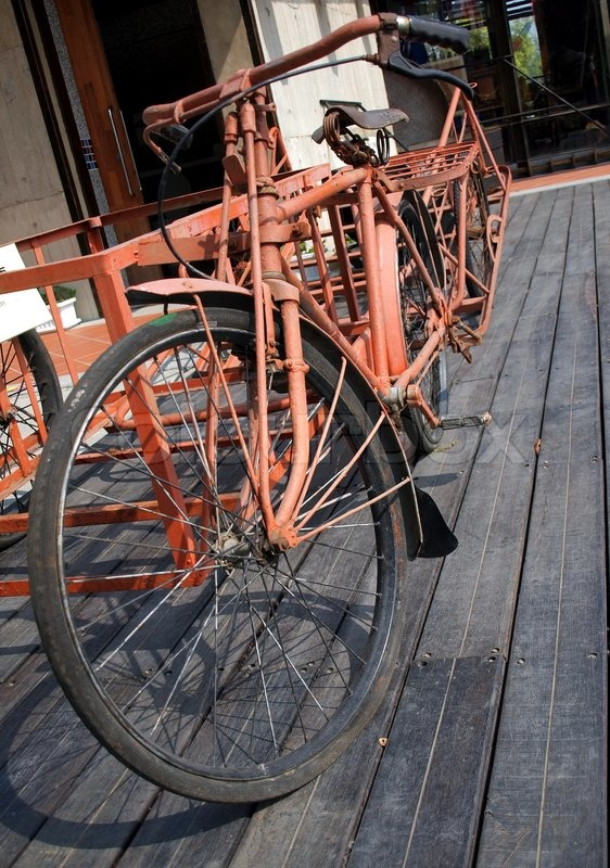 ein altes bauern fahrrad mit beiwagen und anh nger stockfoto colourbox. Black Bedroom Furniture Sets. Home Design Ideas