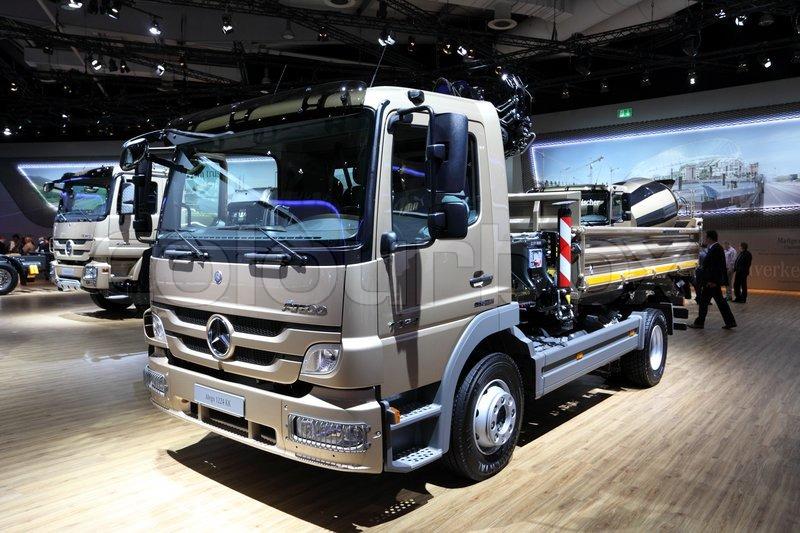 hannover sep 20 new mercedes benz atego 1224 truck at. Black Bedroom Furniture Sets. Home Design Ideas