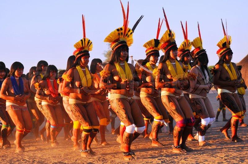 Walmart Aparador De Sala ~ Yamurikum u00e3 (Festa das Mulheres) Aldeia Kamajurá do Alto Xingu Stock Photo Colourbox