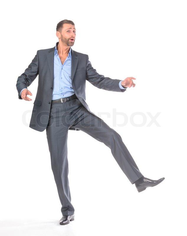 Полный парень танцует в офисе