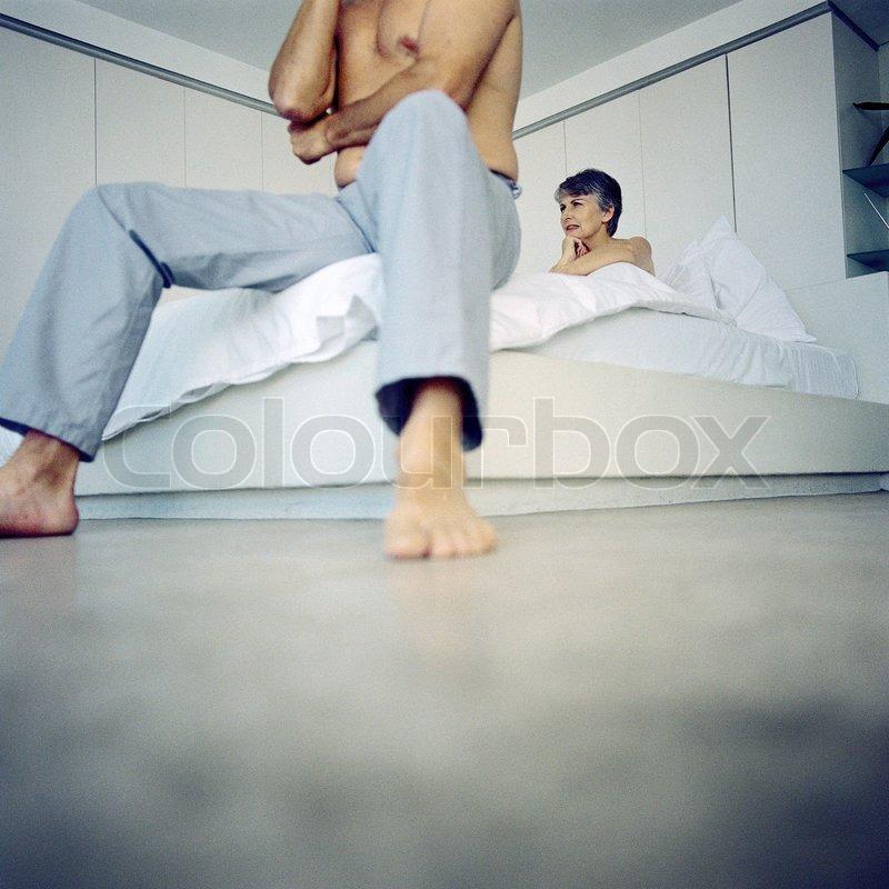 bett senior rentner stockfoto colourbox. Black Bedroom Furniture Sets. Home Design Ideas