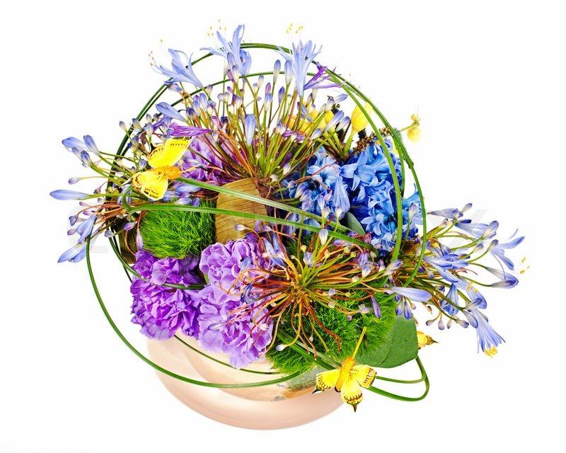 bunten blumenstrau aus rosen nelken und orchideen anordnung herzst ck in der vase isoliert. Black Bedroom Furniture Sets. Home Design Ideas