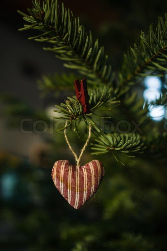 Kugel Für Tannenbaum.Tannenbaum Mit Roten Kugel Dekoriert Stock Bild Colourbox