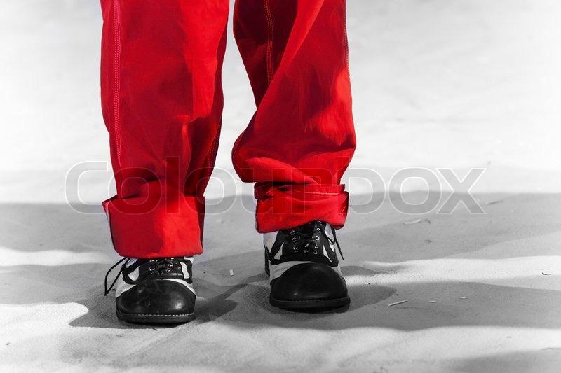 Rød sko med sorte prikker | Stock foto | Colourbox