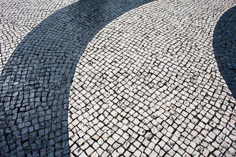 Cobble Stone Mosaics : Black and beige vintage square mosaic cobblestone pavement