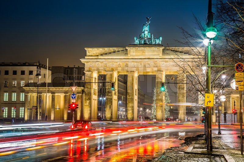 brandenburg gate at night - photo #29