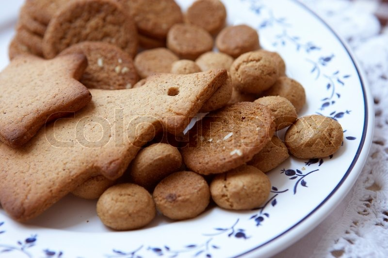 Stock image of 'Traditional danish Christmas cookies on a plate'