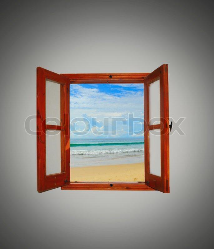 Blick auf das Meer durch ein offenes Fenster  Stockfoto  Colourbox
