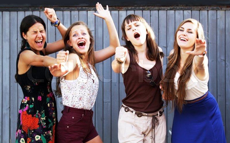 Фото студенты веселятся