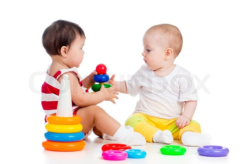 zwei babys m dchen spielen mit farbe spielzeug stockfoto. Black Bedroom Furniture Sets. Home Design Ideas
