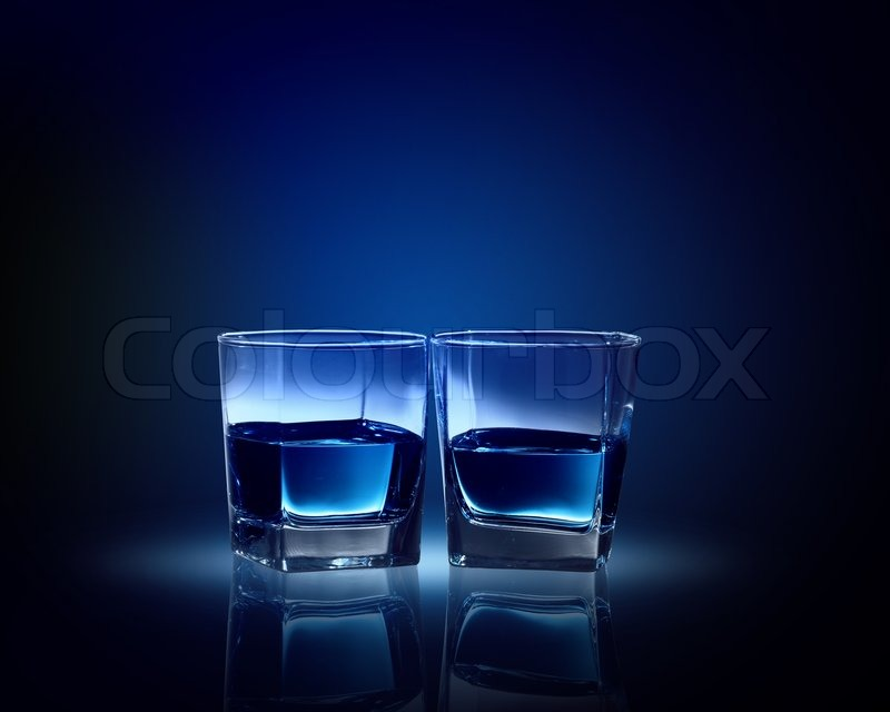 Stock image of 'Two glasses of blue liquid'
