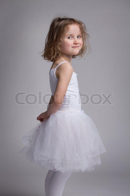 Lille Smukke Kjole Foto Ballet En Pige Colourbox I Stock RqxHqzv