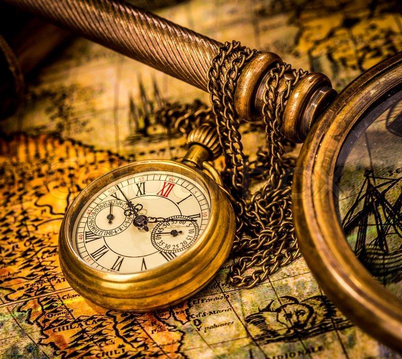Antike taschenuhr  Antike Taschenuhr | Stockfoto | Colourbox