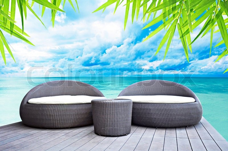 rattan sitz lounge am meer stockfoto colourbox On sitzlounge rattan