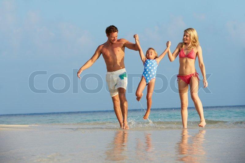 Фото голые родители нудисты 71595 фотография