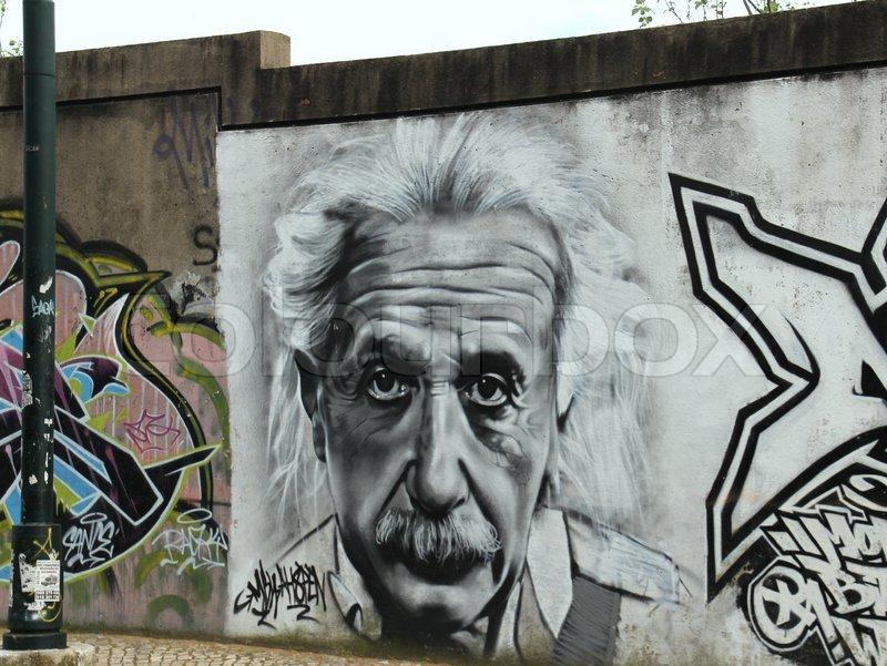 Albert einstein graffiti paint painture street art for Airbrush mural painting