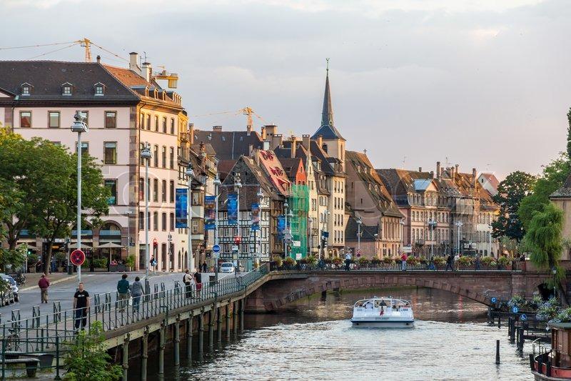 Embankment of the ill river in strasbourg alsace france for Alsace carrelage strasbourg