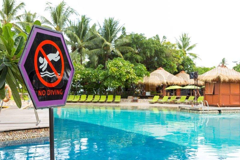 No diving signage at swimming pool | Stock image | Colourbox