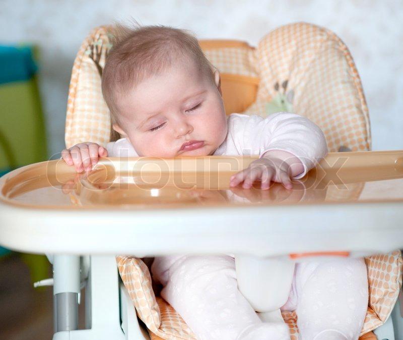 Baby Am Tisch