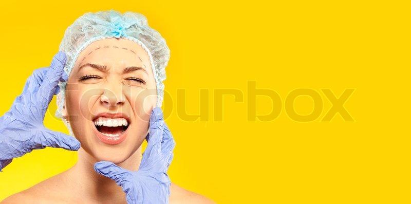 Gartenmobel Holz Chelsea : ängstliche Frau vor der Operation  StockFoto  Colourbox