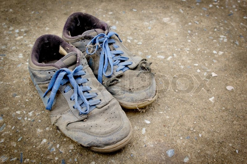 Dirty old sport shoe | Stock image