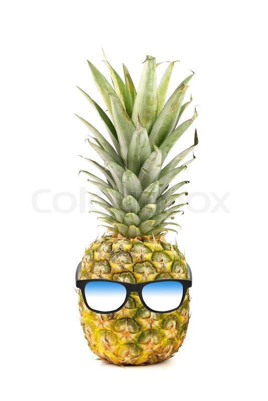 4183476e0826 Funny ananas med solbriller isoleret på ...