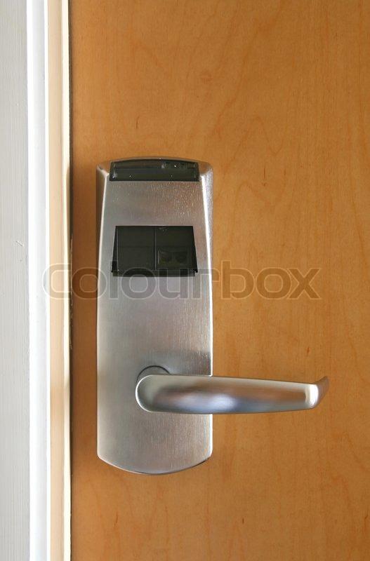 Geschlossene holztür  Keycard elektronische Sperre für geschlossene Holztür | Stockfoto ...