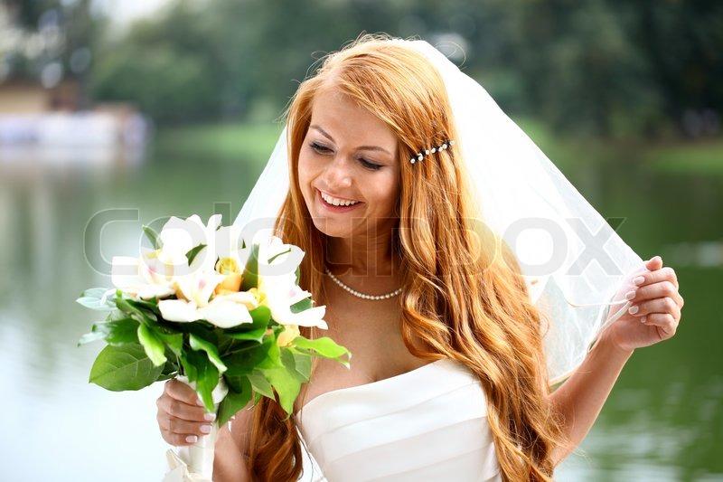 Schone Rote Haare Braut Tragt Stockfoto Colourbox