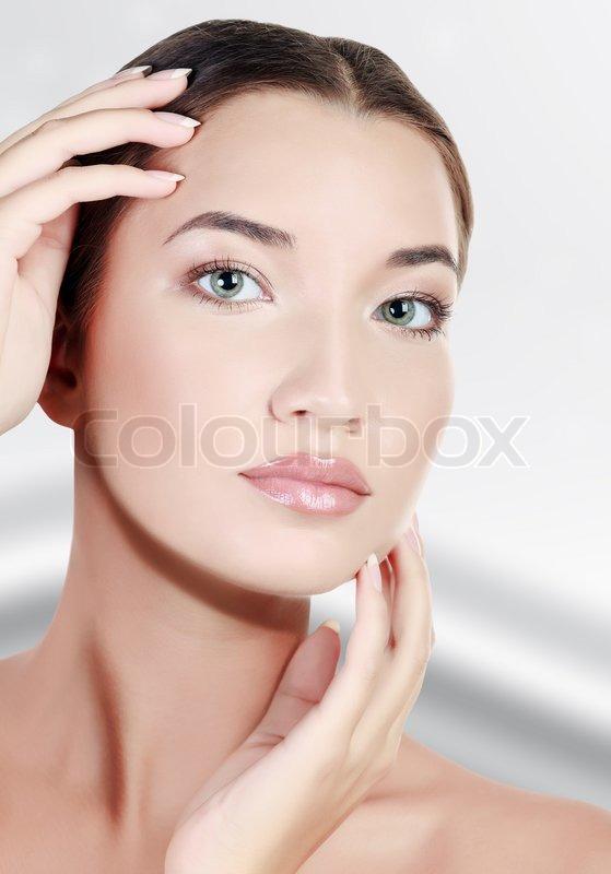massageklinik valby smukke nøgne bryster