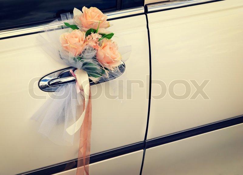 Tur Der Weissen Hochzeit Auto Mit Blumen Stockfoto Colourbox
