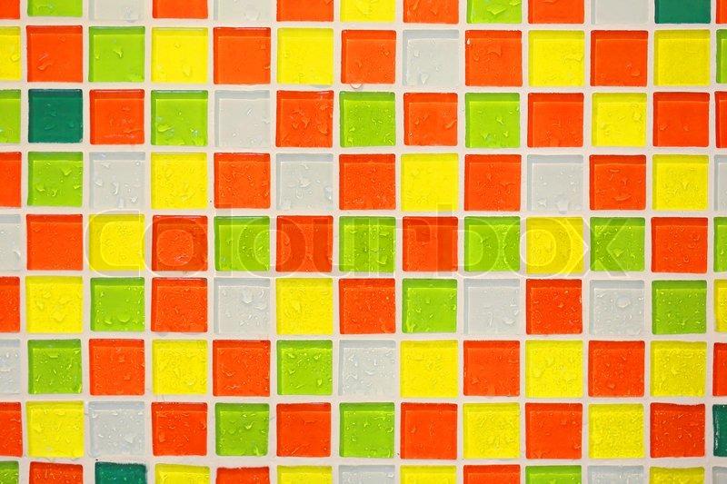 Bunte Fliesen Wand Im Badezimmer Stockfoto Colourbox - Bunte fliesen bad