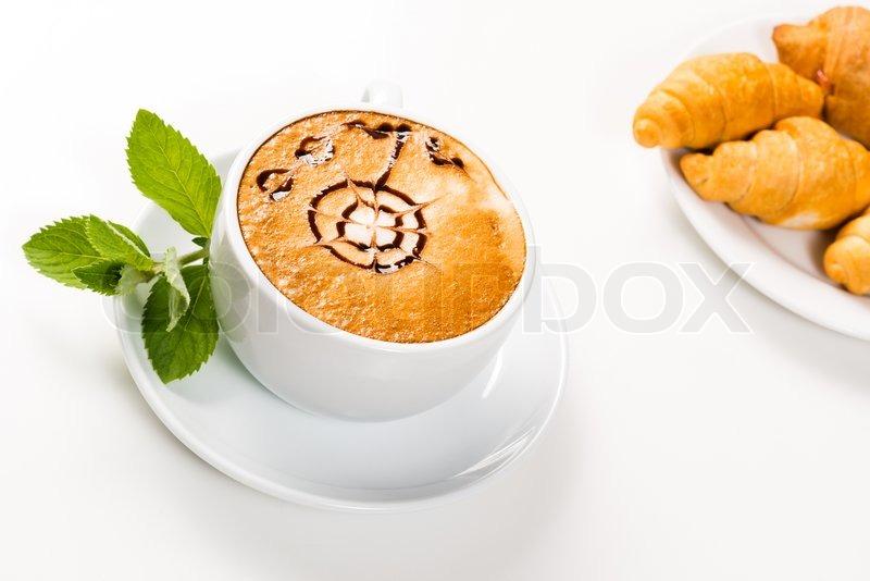 gro e tasse kaffee und gipfeli auf einem teller stockfoto colourbox. Black Bedroom Furniture Sets. Home Design Ideas