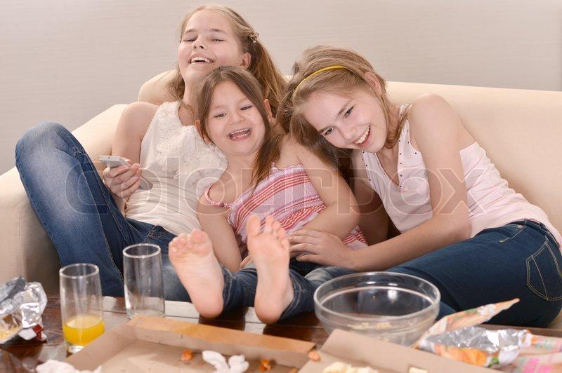 ebdk unge nøgne piger